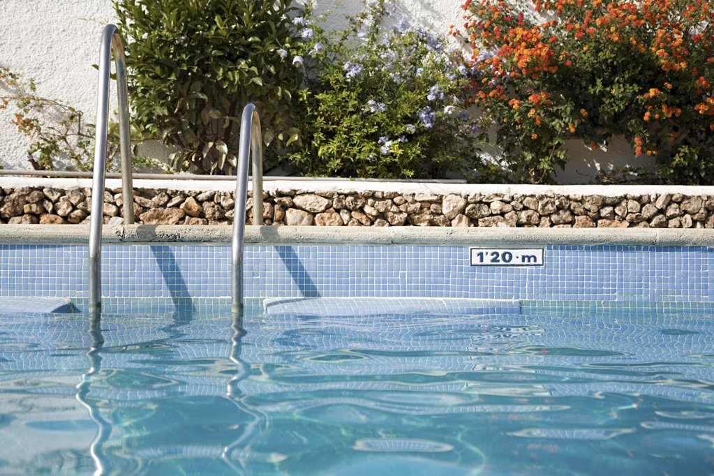 Stock Photo: 1439R-1089039 Swimming pool
