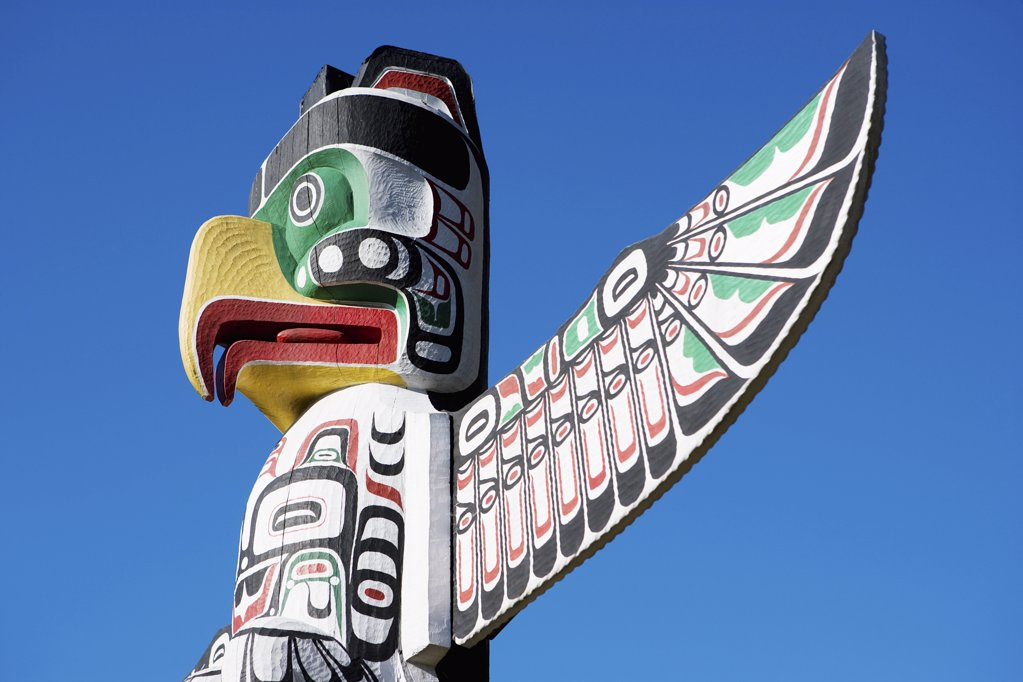 Thunderbird totem pole in stanley park : Stock Photo