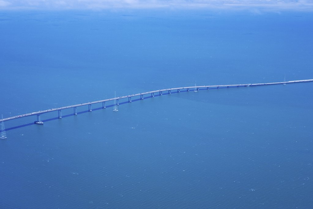 Stock Photo: 1439R-1108427 San mateo hayward bridge