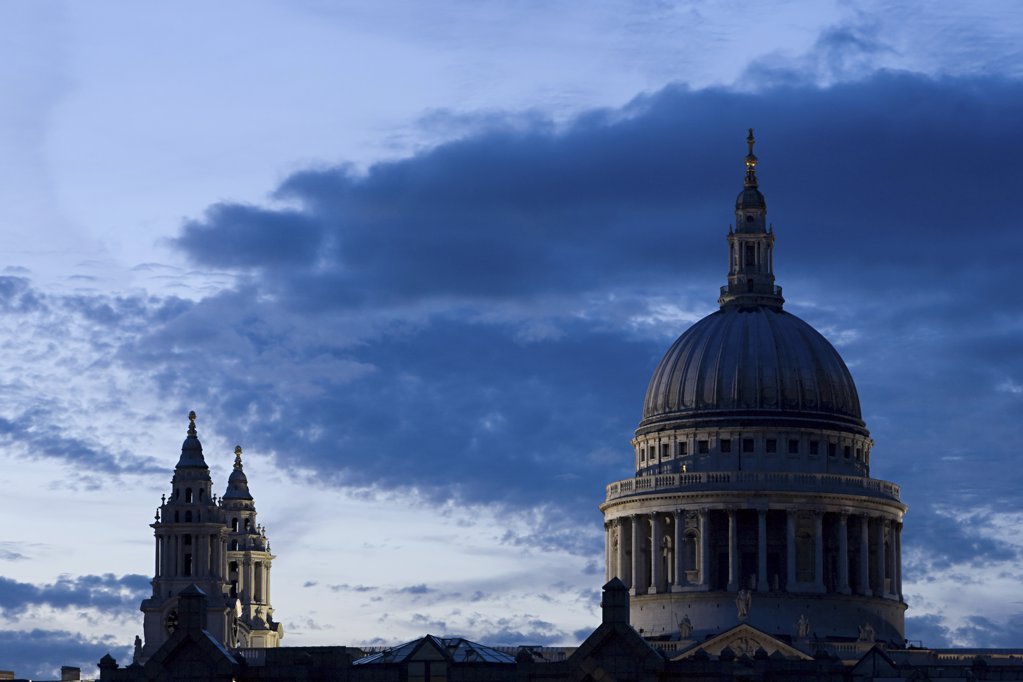 Stock Photo: 1439R-1118210 St pauls cathedral