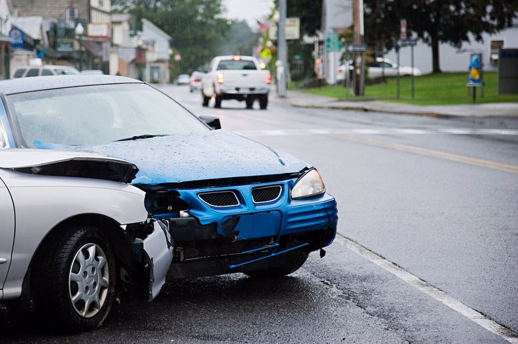 Stock Photo: 1439R-1120597 Car crash