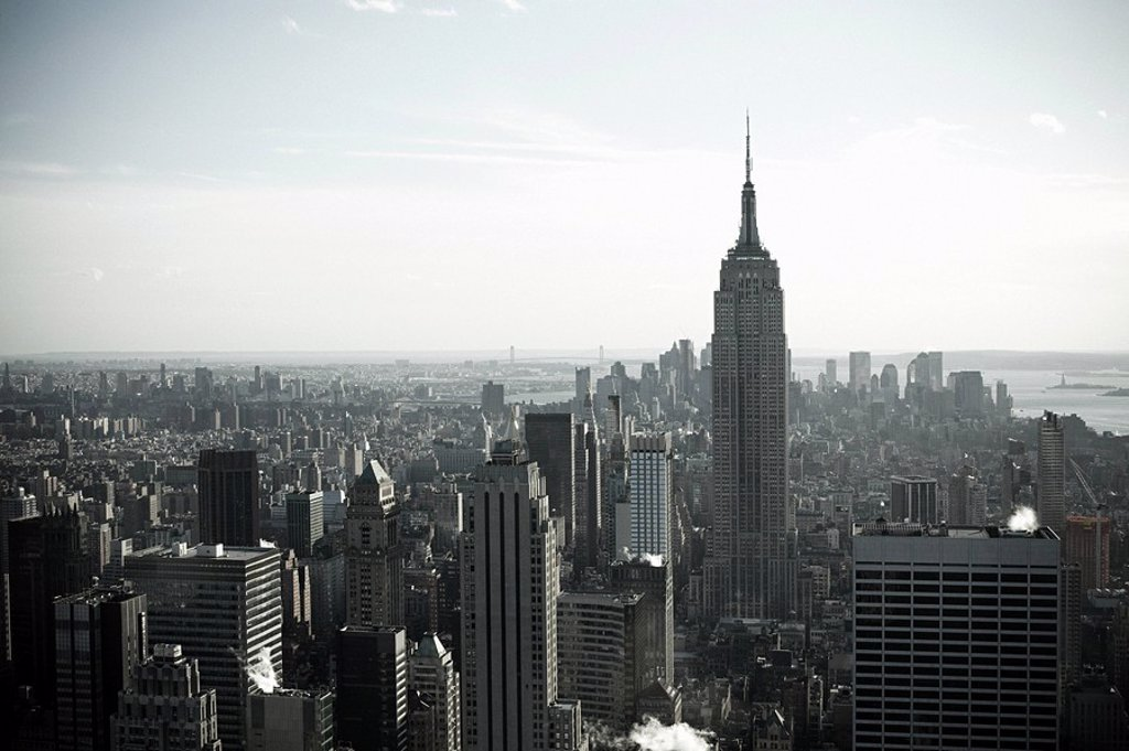 Stock Photo: 1439R-1122632 Empire state building and new york cityscape