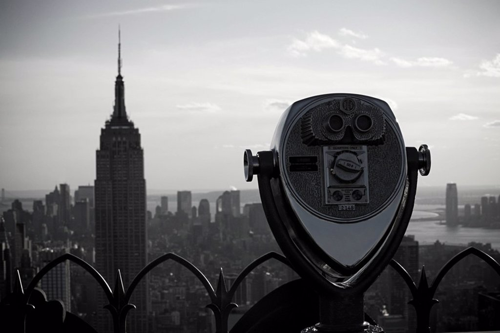 Binoculars and empire state building : Stock Photo