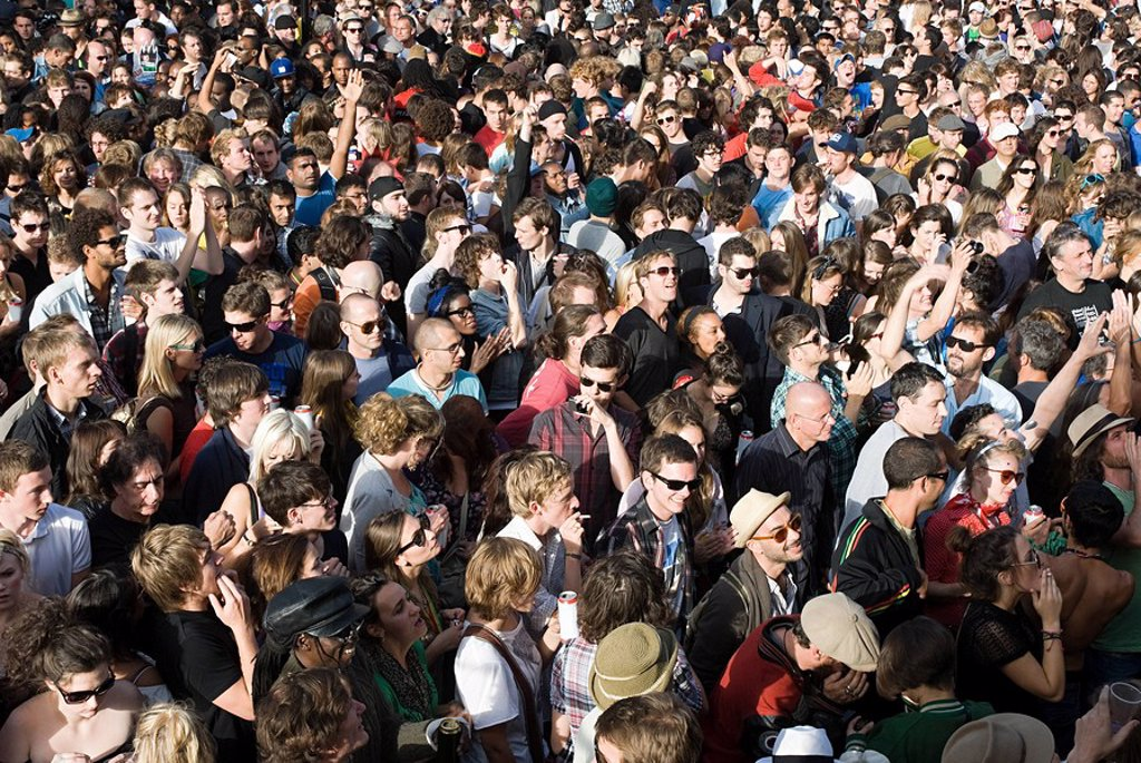 Stock Photo: 1439R-1128200 Crowds at Notting Hill Carnival, London
