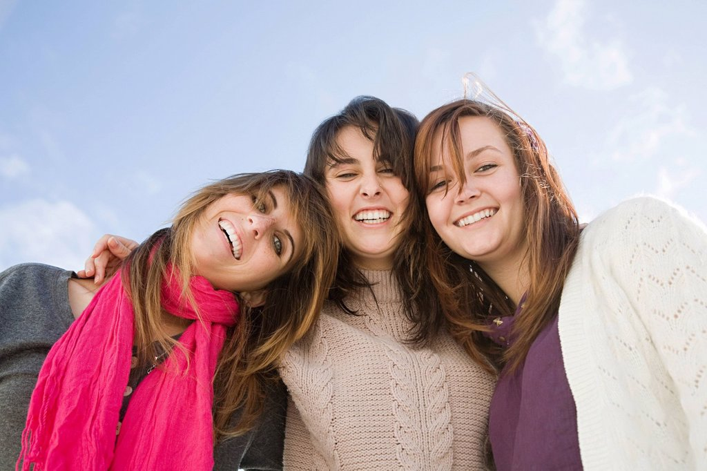 Stock Photo: 1439R-1129790 Female friends, portrait