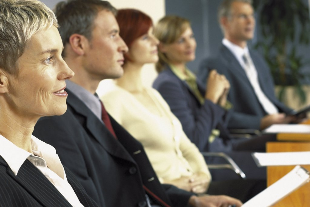 Stock Photo: 1439R-113022 Businesspeople in boardroom