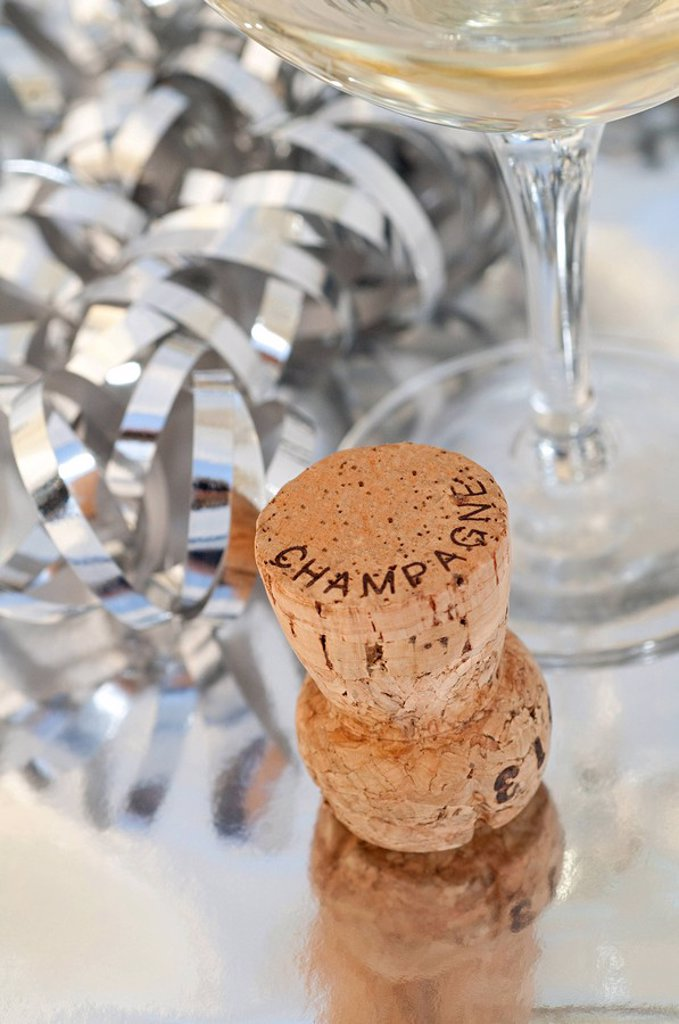 Stock Photo: 1439R-1132068 Champagne cork