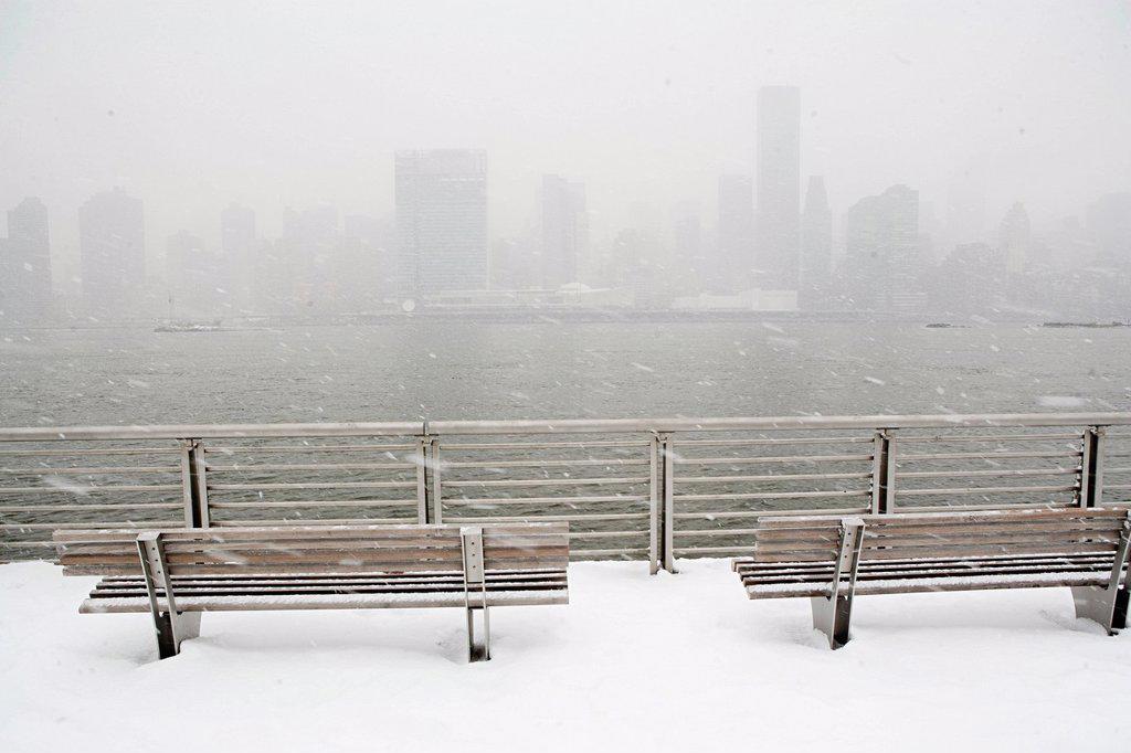 New York City skyline in winter, New York, USA : Stock Photo