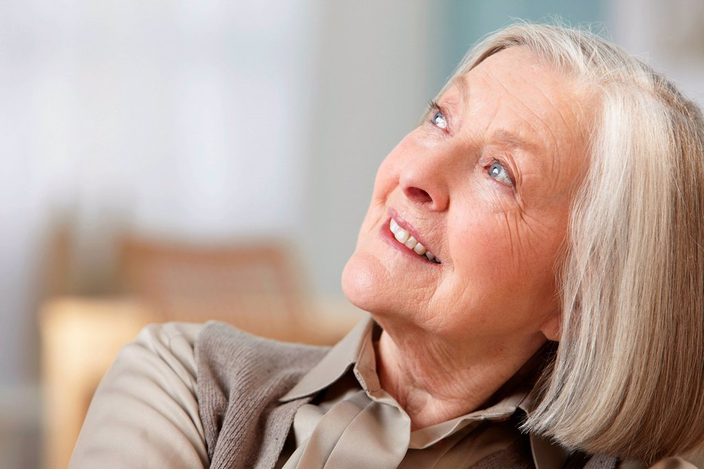 Stock Photo: 1439R-1144789 Senior woman looking away, portrait