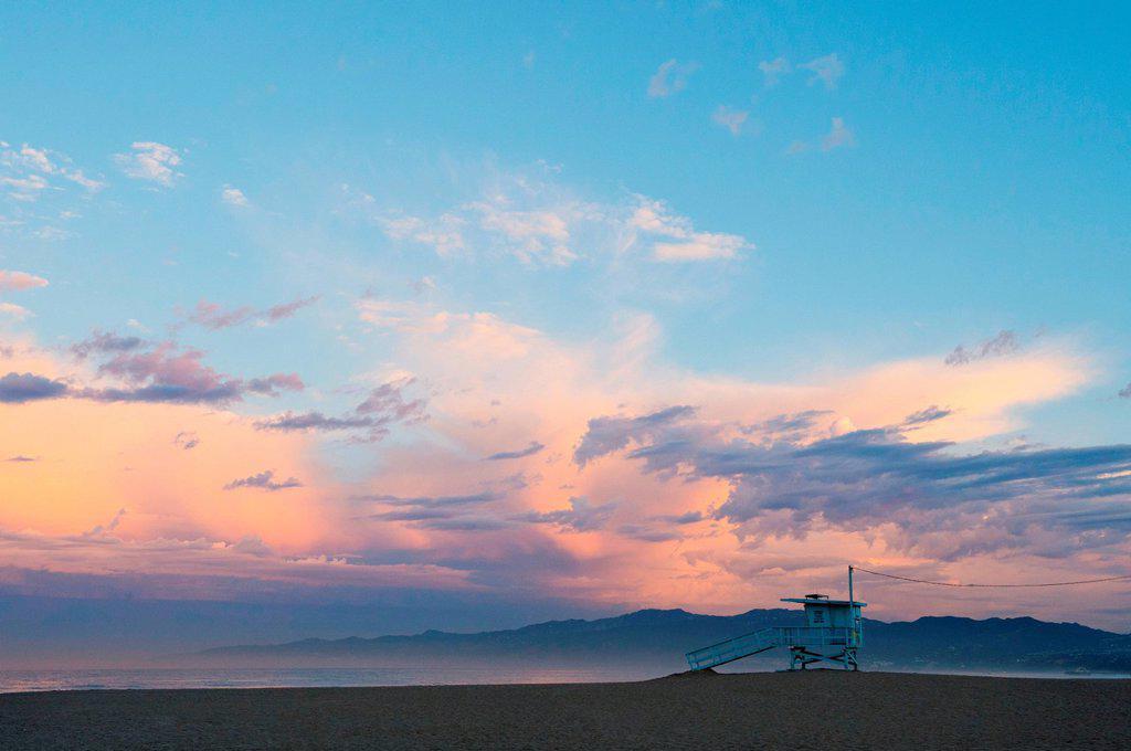 Stock Photo: 1439R-1147691 Beach hut, venice beach, california, usa