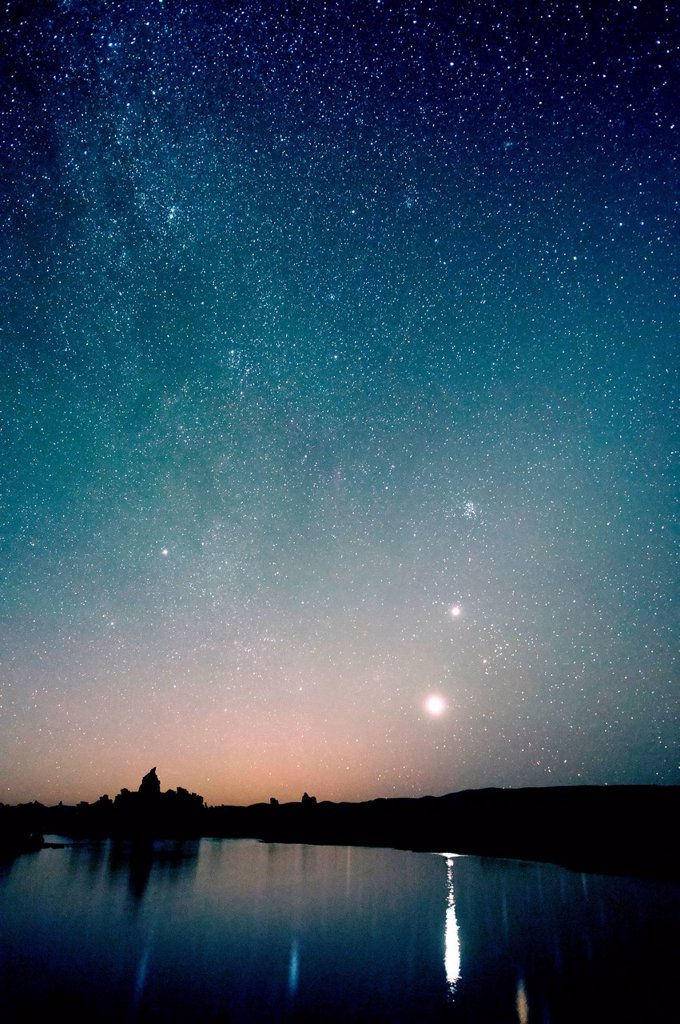 Starry sky at night, mono lake, california, usa : Stock Photo