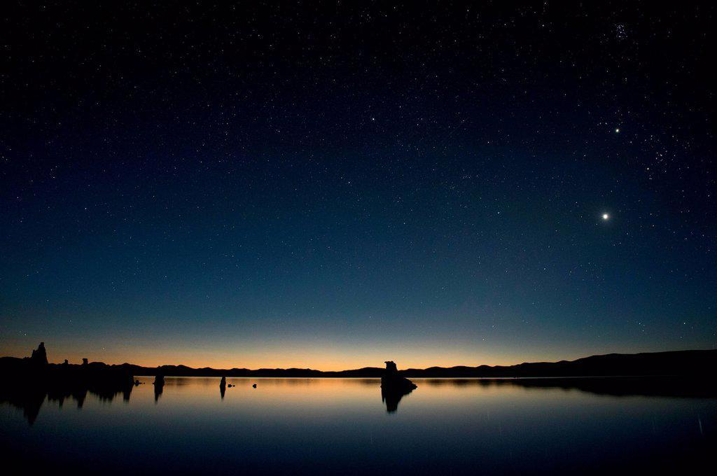 Stock Photo: 1439R-1147696 Tufa rock formation, mono lake, california, usa