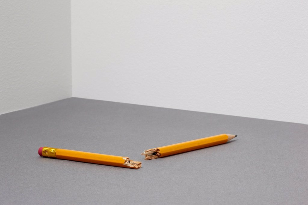 Stock Photo: 1439R-1147781 Broken pencil