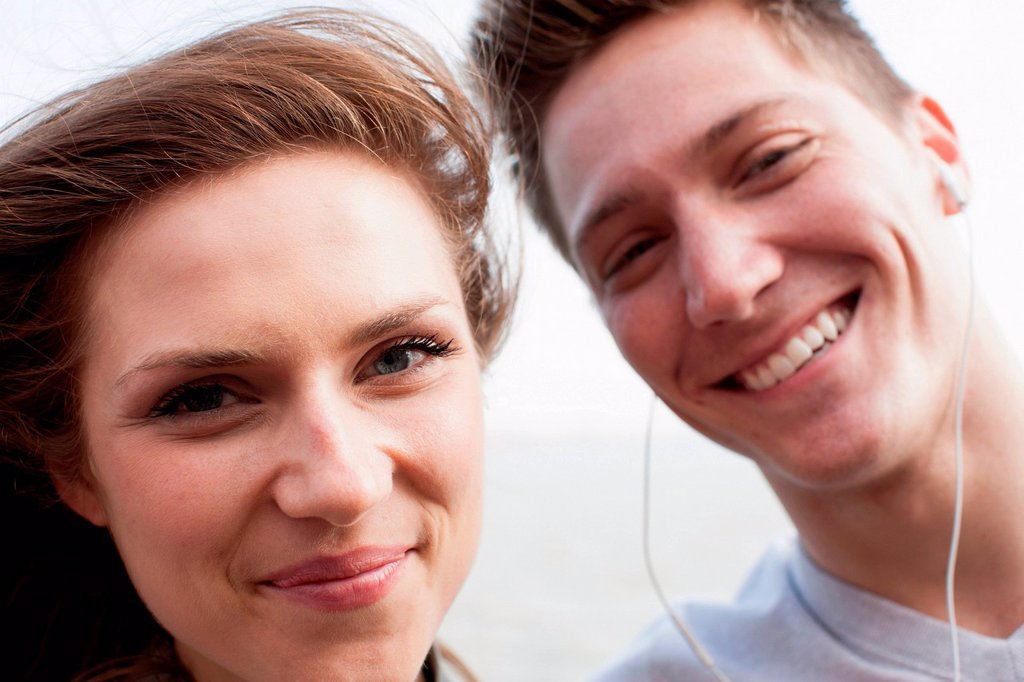 Stock Photo: 1439R-1148103 Portrait of a young couple