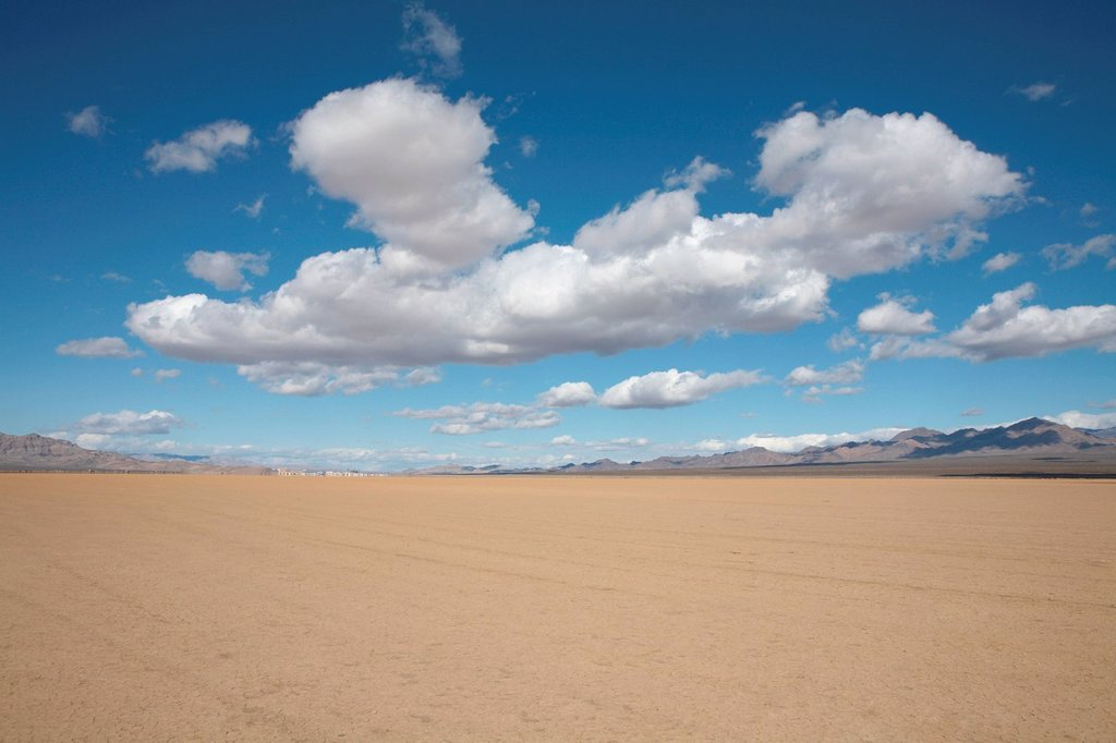 Stock Photo: 1439R-1149491 Desert landscape
