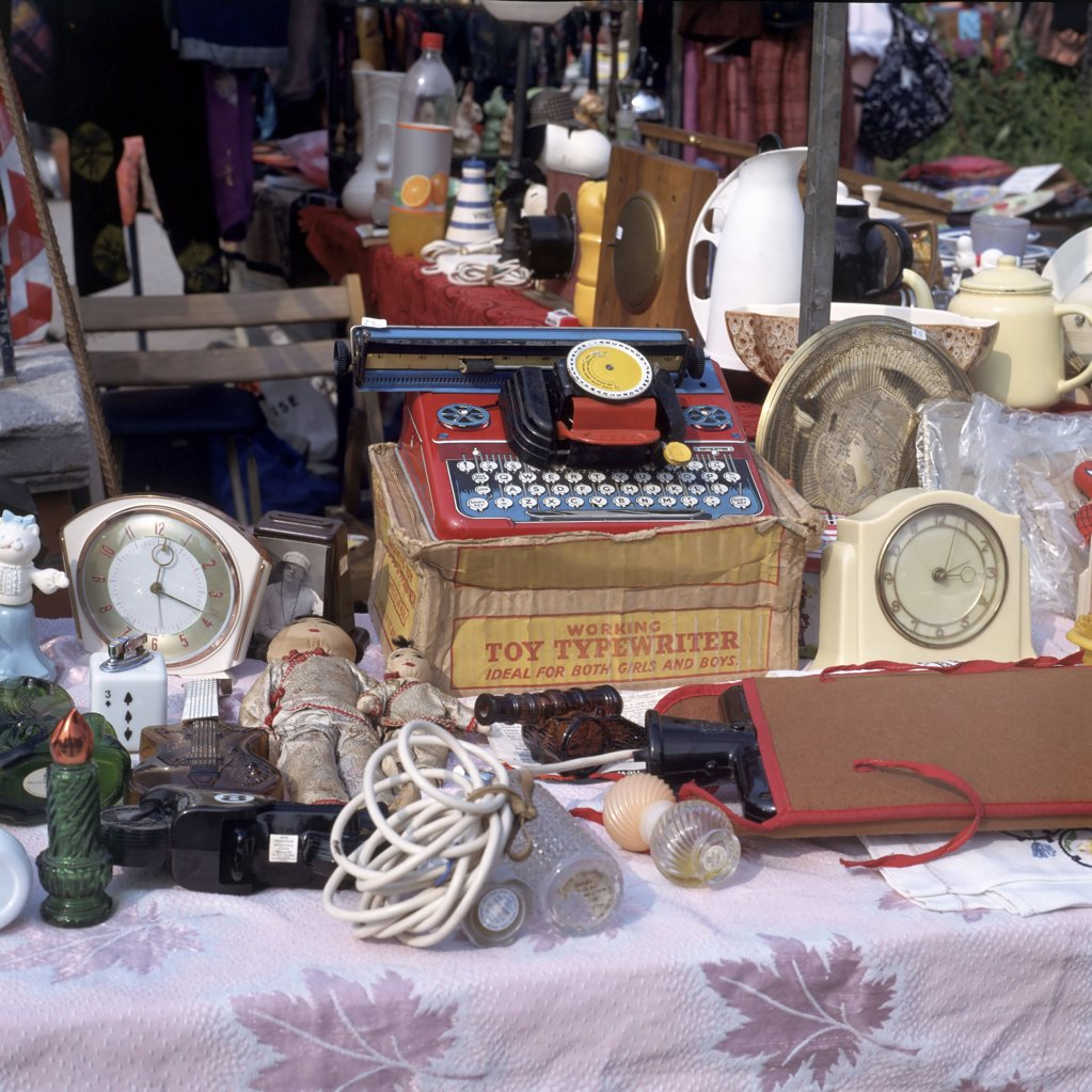 Stock Photo: 1439R-61060 Flea market stand