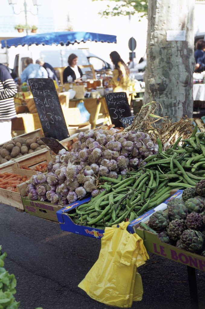 Stock Photo: 1439R-704062 Market stall, Maussane