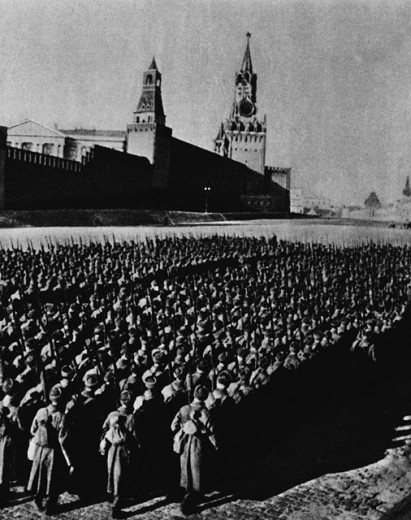 Stock Photo: 1443-635 High angle view of a group of soldiers marching, Red Square, Moscow, Russia, November 7, 1941