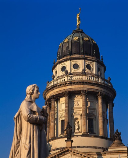 Stock Photo: 1443-959 Friedrich Schiller Statue