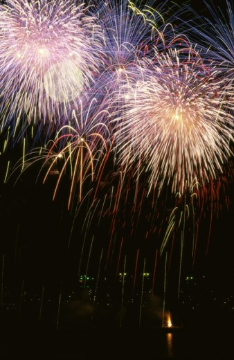 Stock Photo: 1445-540 Low angle view of fireworks