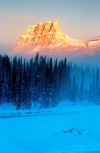 Stock Photo: 1447-228 Panoramic view of Castle Mountain, Alberta, Canada
