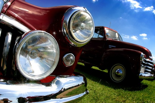 Stock Photo: 1467-2239 Close-up of vintage cars parked on a lawn