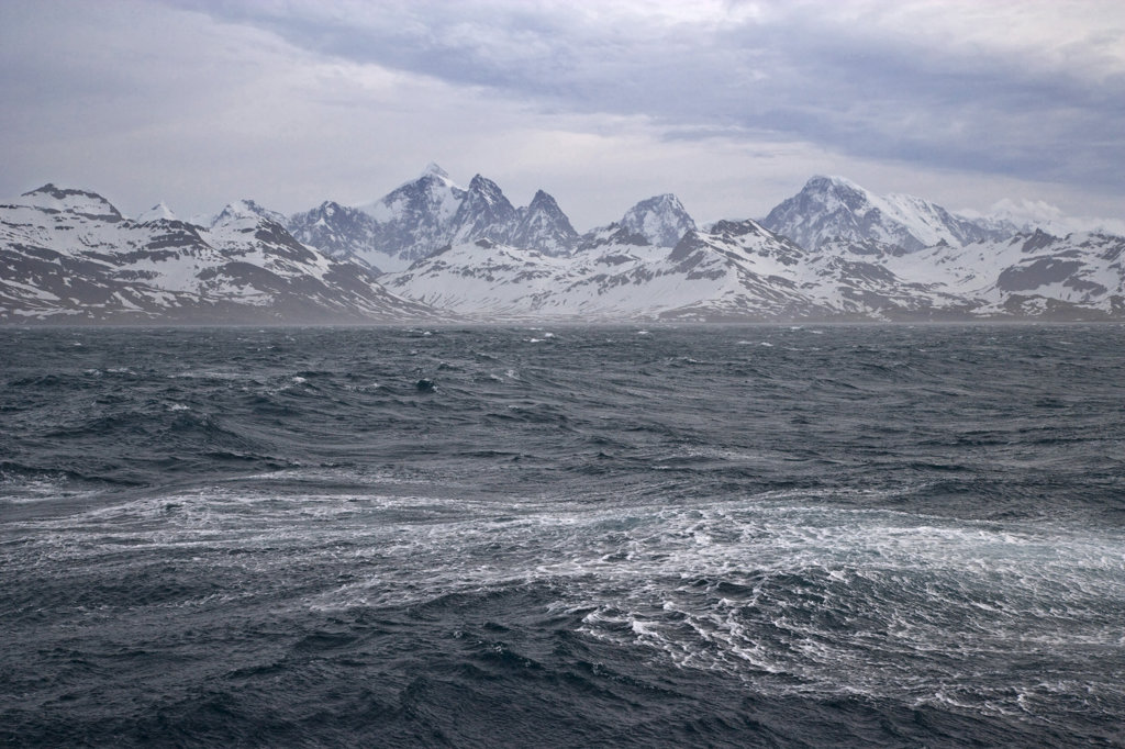 Panoramic view of the sea with mountains in the background, Fortuna Bay, South Georgia Island, South Sandwich Islands  : Stock Photo