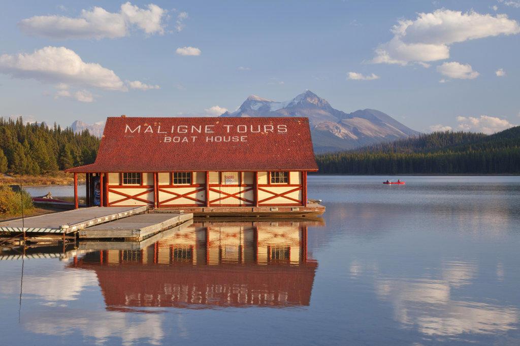 Stock Photo: 1482R-1967 Boathouse at the lakeside, Maligne Lake, Jasper National Park, Alberta, Canada