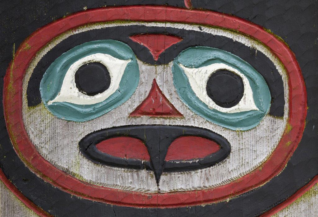 USA, Alaska, Wrangell, Chief Shakes Tribal House, Totem detail : Stock Photo