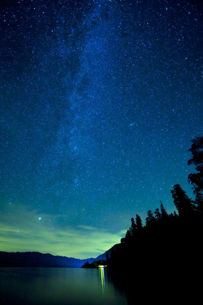 Stock Photo: 1482R-3105 Lake Quinault under night sky, Olympic National Park, Washington State, USA