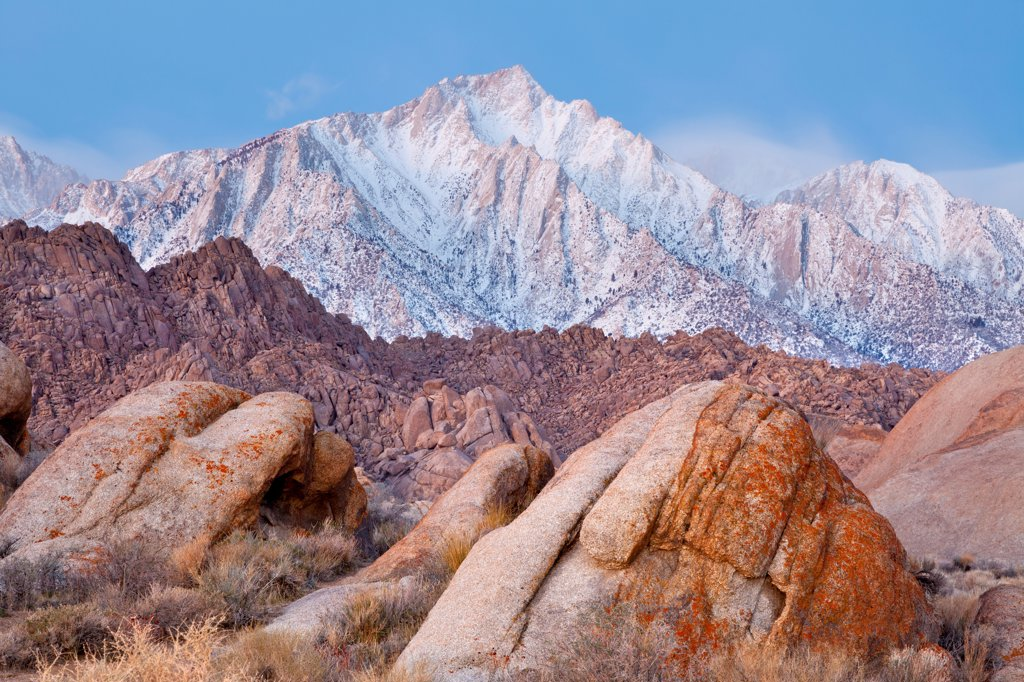 Stock Photo: 1482R-3284 USA, California, Alabama Hills and Lone Pine Peak, near Lone Pine