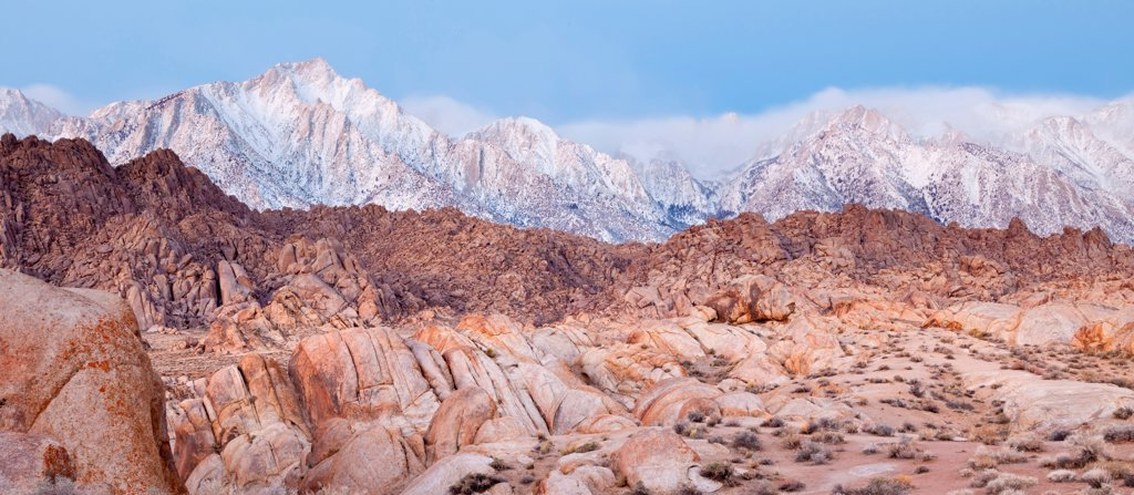 Stock Photo: 1482R-3285 USA, California, Alabama Hills and Sierra Mountains, near Lone Pine