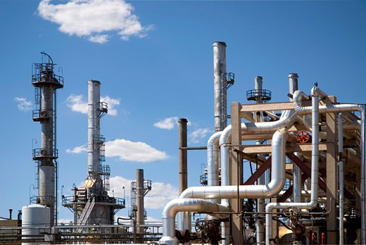 Stock Photo: 1485-303 Pipelines in an oil refinery