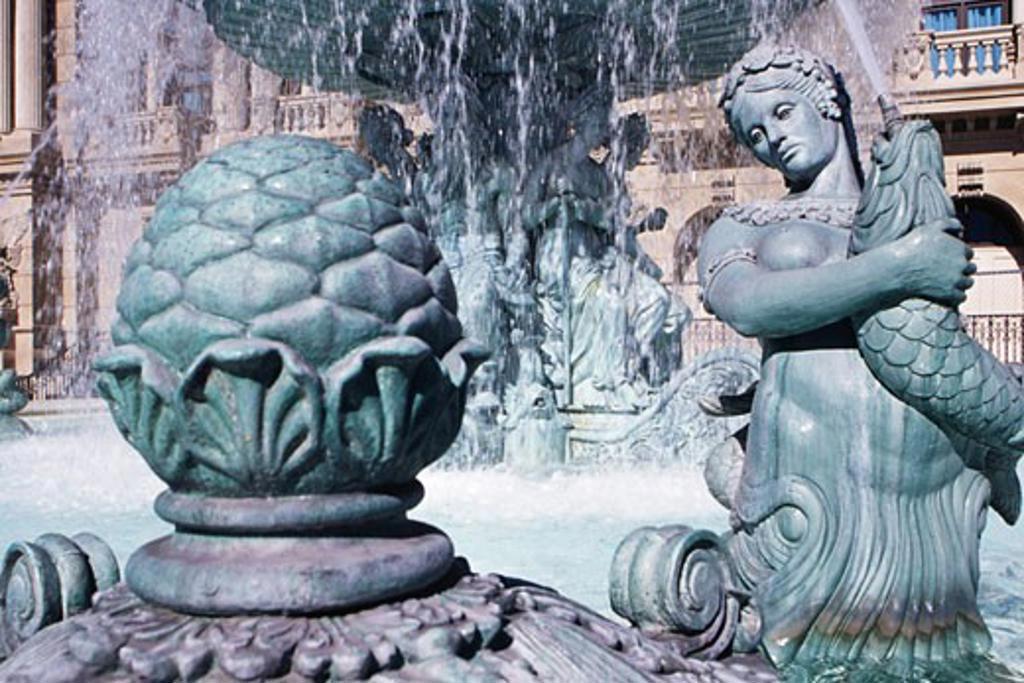 Fountain in front of a hotel, Paris Las Vegas, Las Vegas, Nevada, USA : Stock Photo