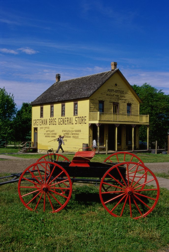 Stock Photo: 1486-10123 Carriage in front of a building, Living History Farms, Urbandale, Iowa, USA