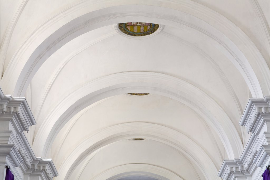 Architectural details of the arched ceiling of a church, Church and convent of Our Lady of Mercy, Antigua, Guatemala : Stock Photo