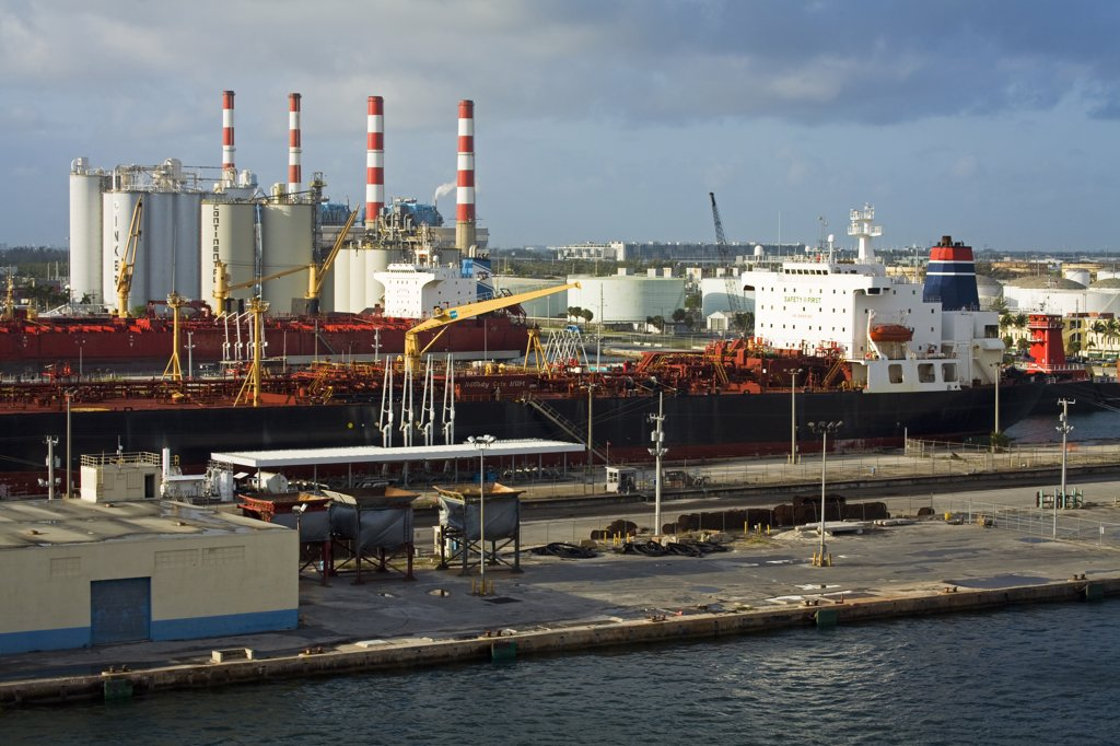 Oil power station at a port, Port Everglades, Fort Lauderdale, Broward County, Florida, USA : Stock Photo