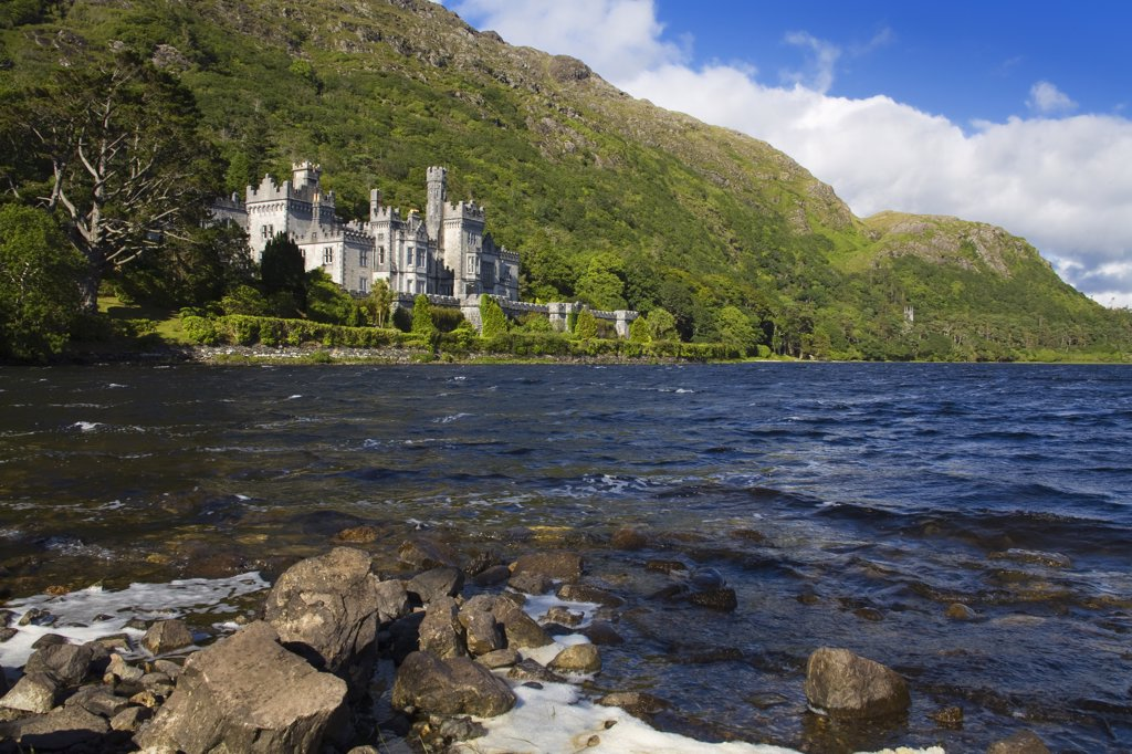 Stock Photo: 1486-11856 Abbey at the lakeside, Kylemore Abbey, Lake Kylemore, Connemara, County Galway, Connacht Province, Republic of Ireland