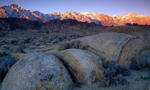 USA, California, Alabama Hills Recreation Area, boulders in mountains : Stock Photo
