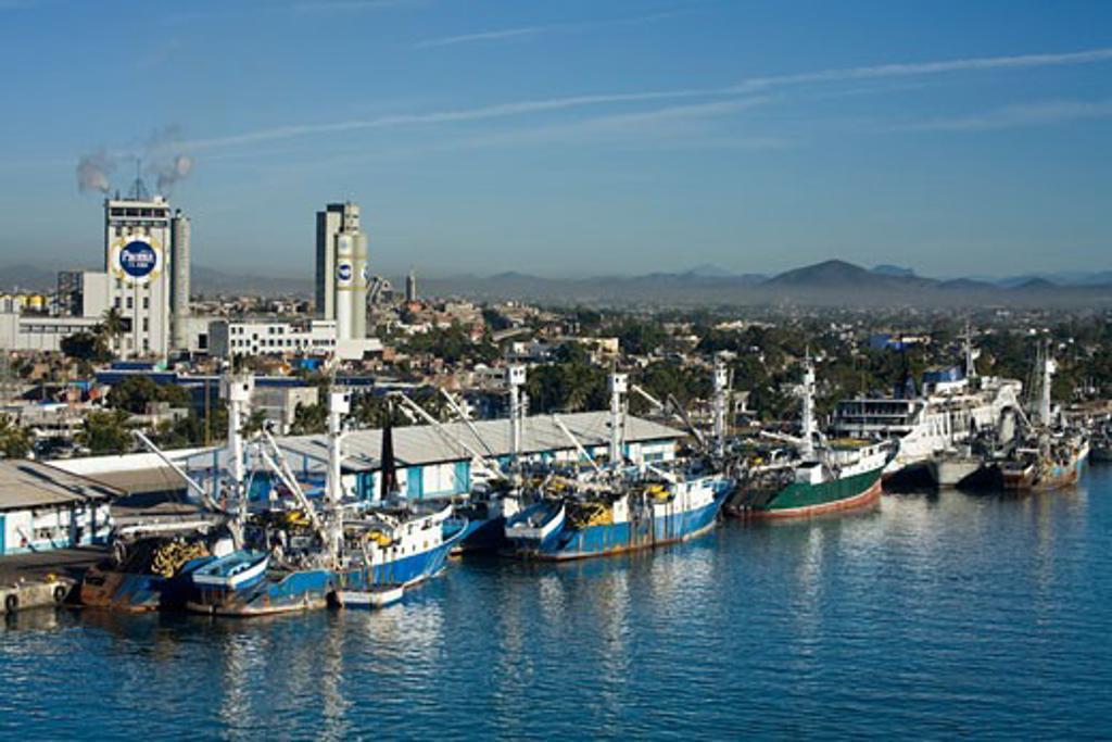 Stock Photo: 1486-12209 Fishing boats at a dock, Mazatlan, Sinaloa, Mexico