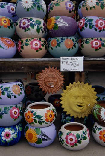 Stock Photo: 1486-1235 Pottery displayed in a market stall, Old Town State Historic Park, San Diego, California, USA
