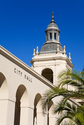 Stock Photo: 1486-12465 Low angle view of a city hall, Pasadena, Los Angeles County, California, USA