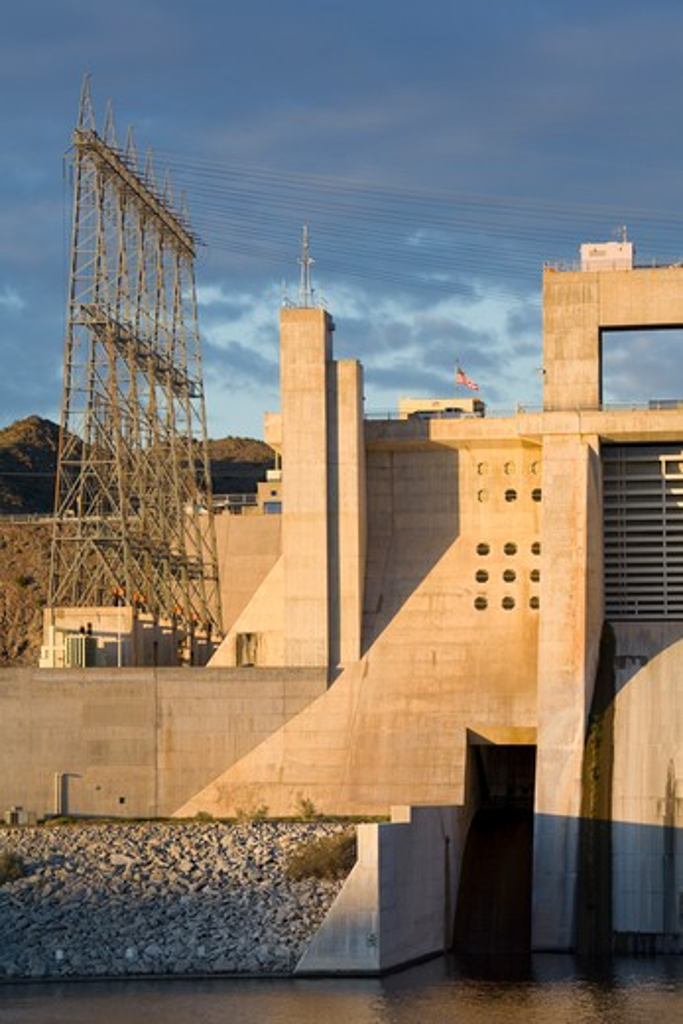 USA, Arizona, Davis Dam on Colorado River near Bullhead City : Stock Photo