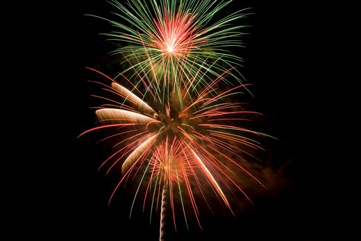 Stock Photo: 1486-13259 Fireworks display at night on independence day, Temecula, California, USA
