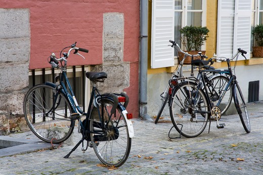 Stock Photo: 1486-13343 Bicycles parked at the roadside, Groene Rei, Bruges, Belgium