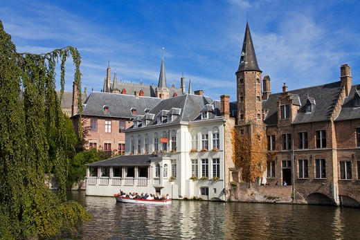 Stock Photo: 1486-13349 Buildings along a canal, Bruges, Belgium