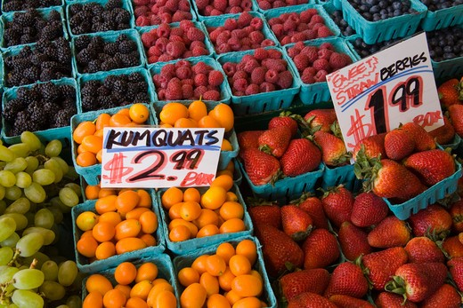 Stock Photo: 1486-13386 USA, Washington, Seattle, Fruit stall at Pike Place Public Market