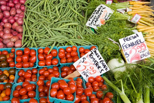 Stock Photo: 1486-13387 USA, Washington, Seattle, Vegetables on market stall at Pike Place Public Market