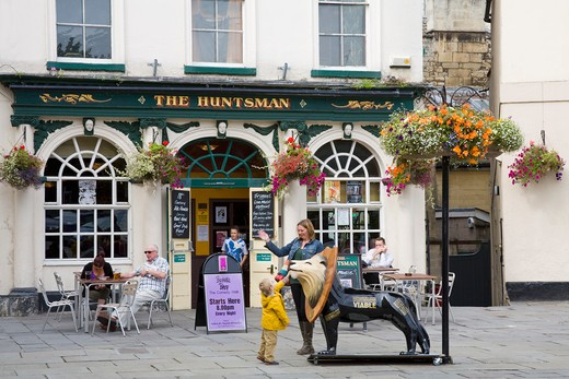 Stock Photo: 1486-13572 Tourists at a sidewalk cafe, The Huntsman Pub, North Parade, Bath, Somerset, England