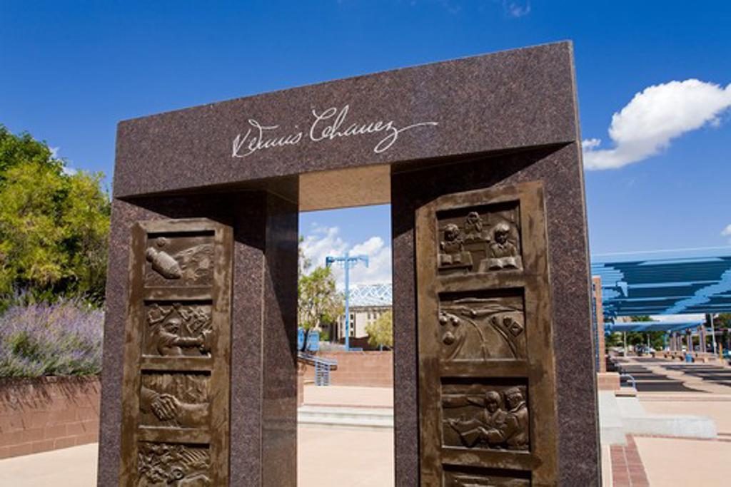 Stock Photo: 1486-14664 USA,New Mexico, Albuquerque, Civic Plaza, Memorial